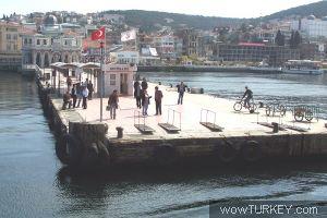 Büyükada İskelesi - Aykut_a - 02/07/2004