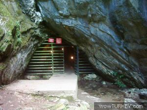Bu mağara 2.720 metre uzunluğunda