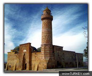 k Omer Ge aladdincami nigde Niğde Alaaddin Camii 'nin kapısındaki kadın silüetinin sırrı ne ?